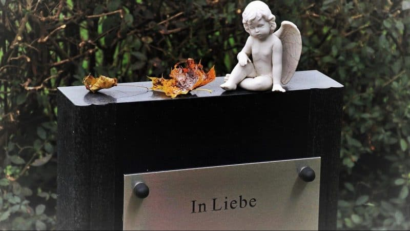 Lifestyle News - German Funeral