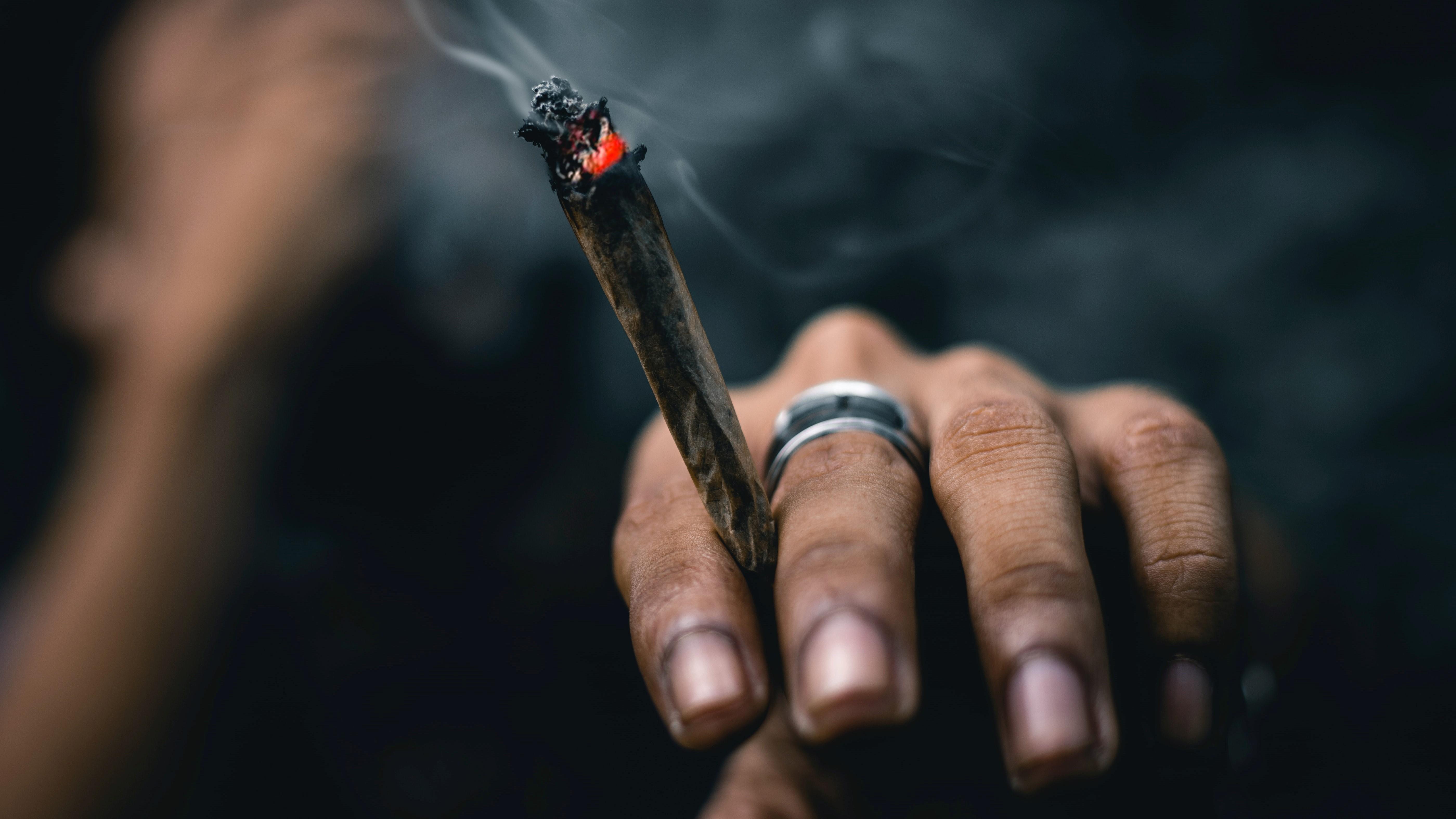 Health News - Smoking Cannabis and Corona